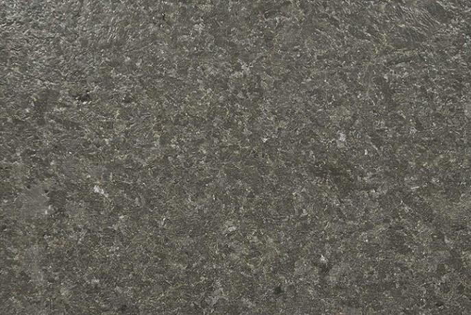 Graniet terrastegels - Black Pearl Graniet - Gebrand & Geborsteld