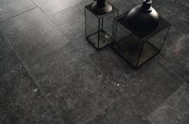 Zwarte vloertegels - Manoir Noir Hainaut (buiten)