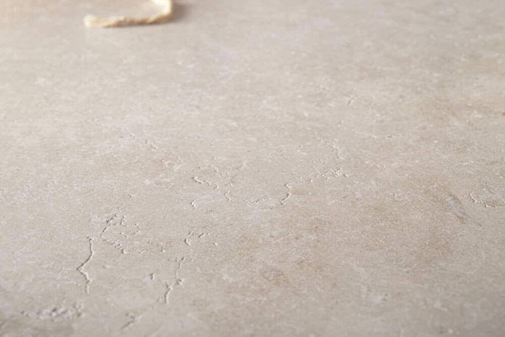 Kalksteen Look vloertegels - Secret Stone Mystery White Honed