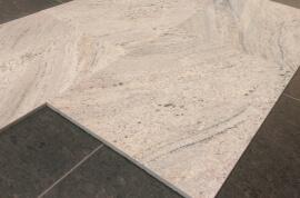 Wandtegels 40 cm - vrije lengte - New Kashmir White Graniet - Gepolijst