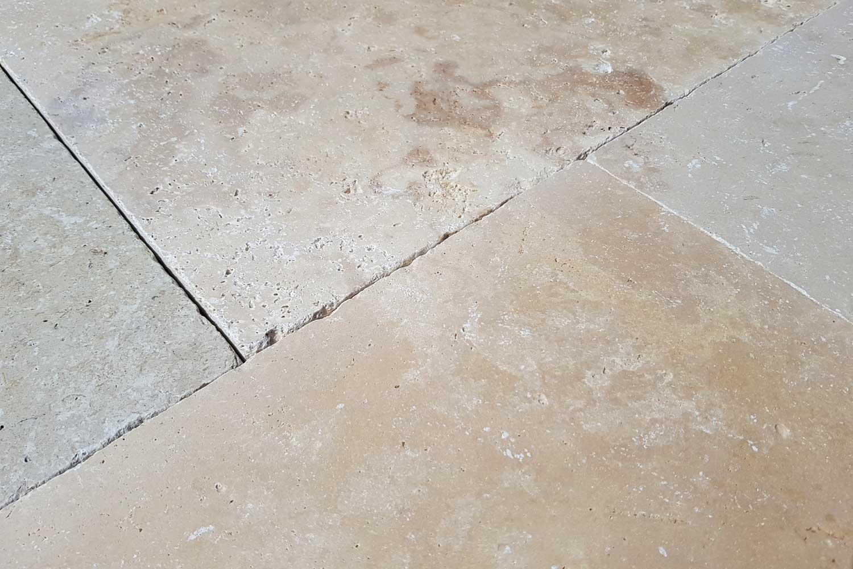 Wandtegels 10x10 - Beige Anticato Travertin - Getrommeld