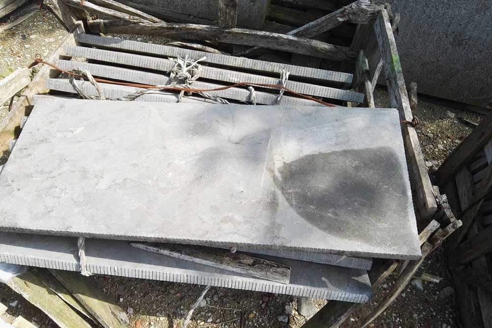 Outlet artikelen - Hardsteen Afdekplaten 100x40/110x40 Diamantkop