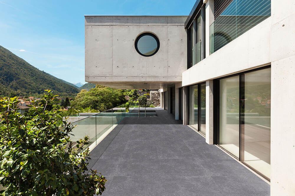 Keramiek op beton - CeraDeco Belga Antiquato Lux