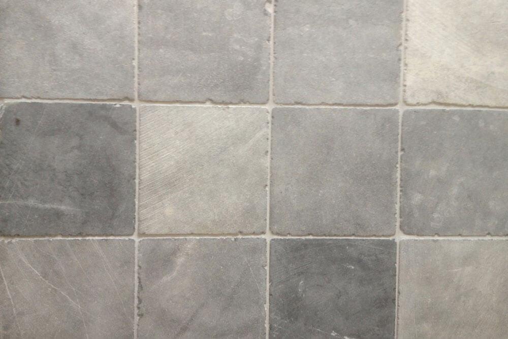Hardsteen vloertegels - Vietnamese Hardsteen 20x20 - Geschuurd & Verouderd