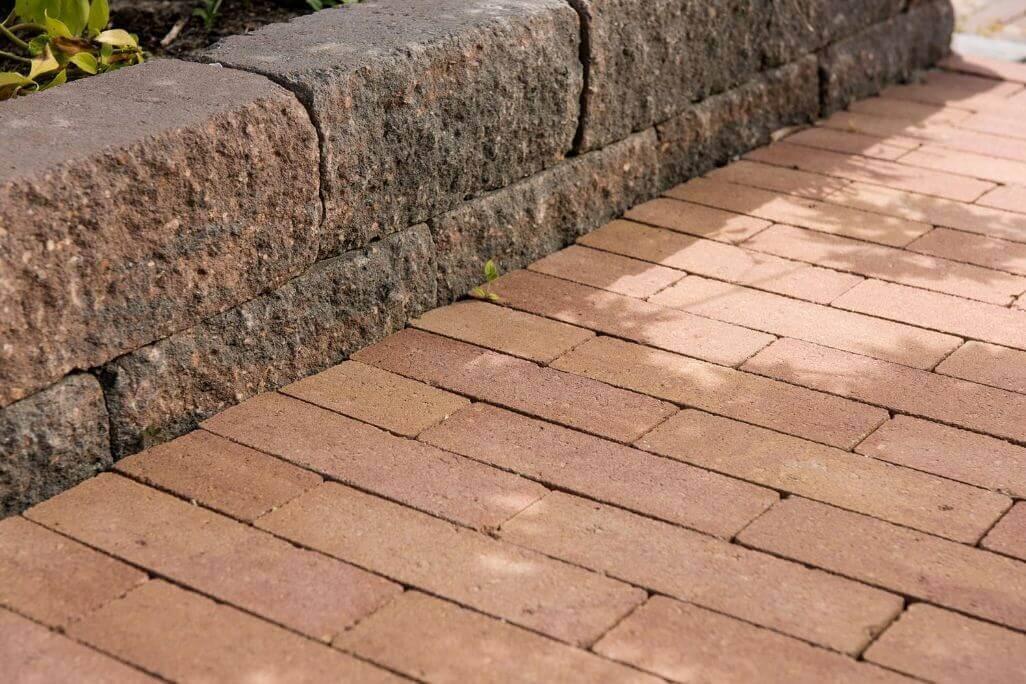Betonbestrating - Strackstone+ Wijnrood - Oker